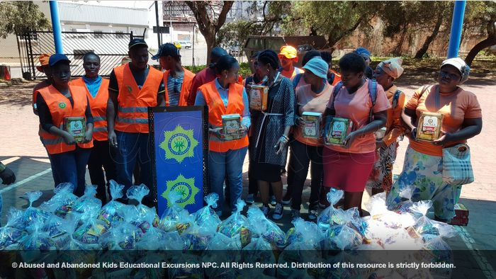 - Community initiative: More food hampers to Jeppe SAPS